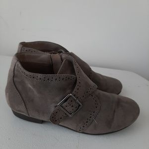 Gray ankle boots Cityclassfieid Comfort 7.5